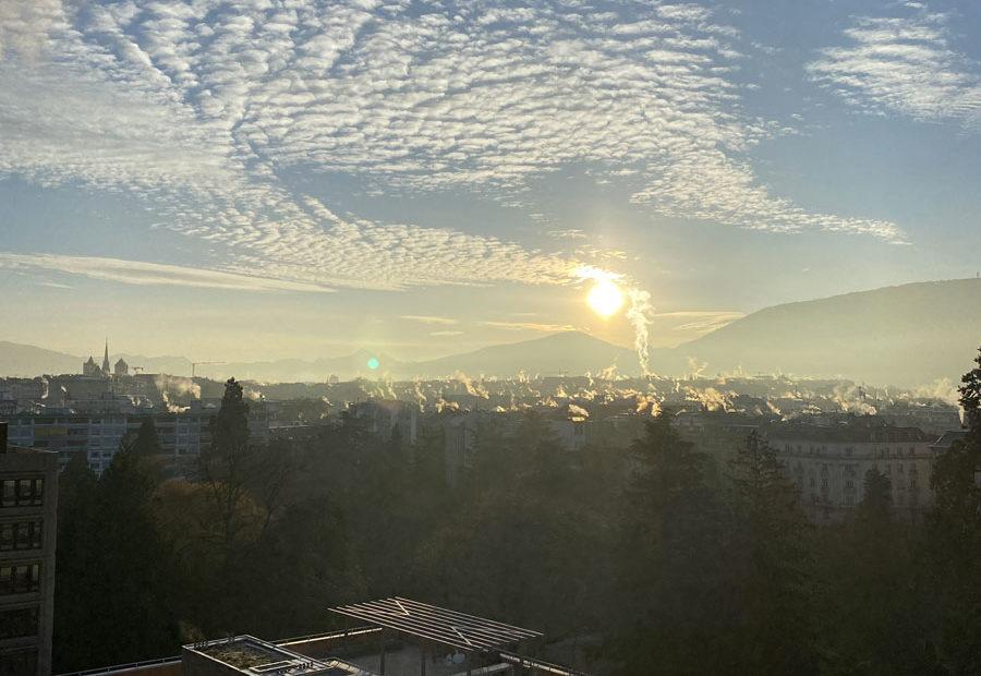 Lever de soleil en janvier sur Genève